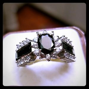 Jewelry - 925 Sterling Silver Black Agate Ring Size 7